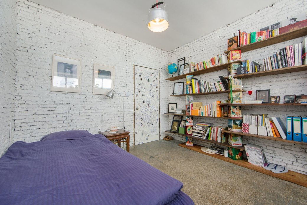 Квартира-мастерская вШанхаесинтерьером извторичныхматериалов. Изображение № 15.