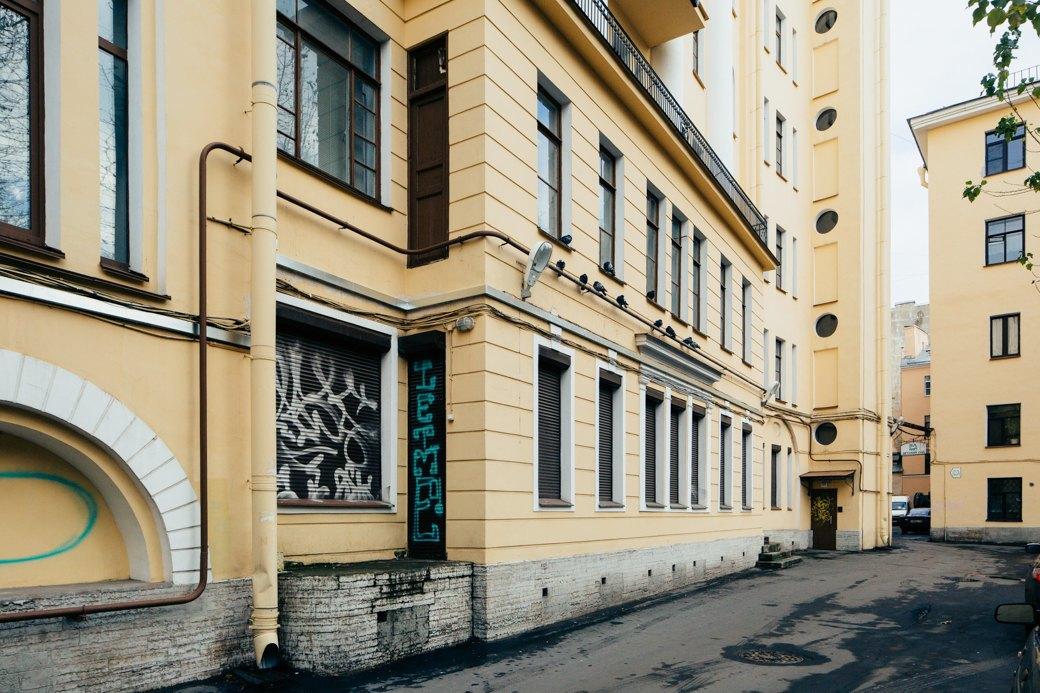 Самые удивительные дворы Петербурга. Изображение № 20.