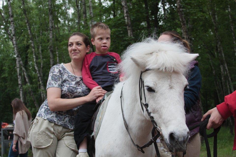 Кони, люди: Как конюшню, помогающую детям-инвалидам, выселяют из парка Горького. Изображение № 8.
