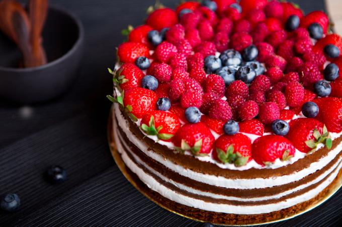 В Москве открылась онлайн-кондитерская с «фитнес-тортами». Изображение № 1.
