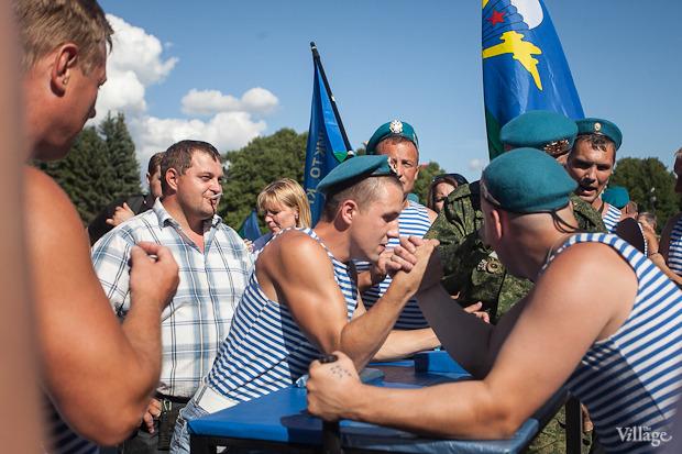 Фоторепортаж: День Воздушно-десантных войск в Петербурге. Изображение № 3.
