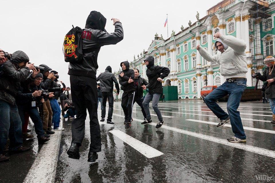 Фоторепортаж: День народного единства вПетербурге. Изображение № 18.