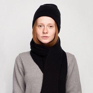 Что надеть: Дублёнка Acne, платье Emma Cook, ботильоны Yves Saint Laurent. Изображение № 8.