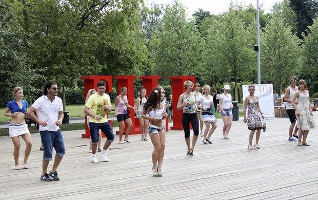 В парке Горького открылась бесплатная школа танцев. Изображение № 1.