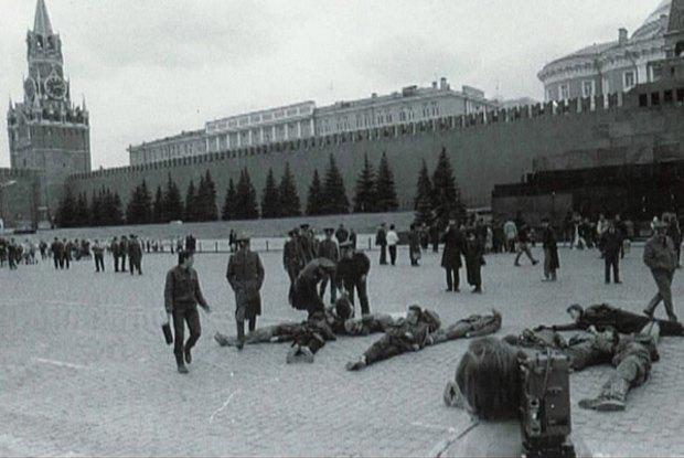 Лобзай мусора: Хроника акционизма вМоскве. Изображение № 4.