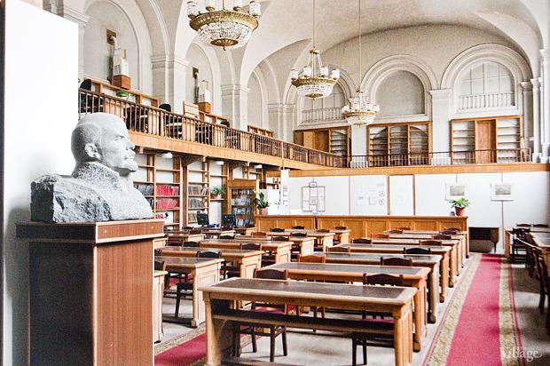 Читальный зал на площади Островского. Изображение № 2.