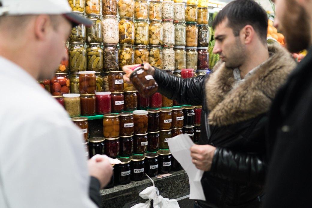 Как Лев Волож доставляет горожанам продукты срынка. Изображение № 3.