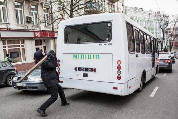Курс — евро: Как уличные протесты изменили Киев. Изображение № 7.