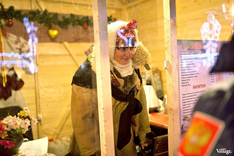 Люди в городе: Продавцы рождественской ярмарки на Островского. Изображение № 35.