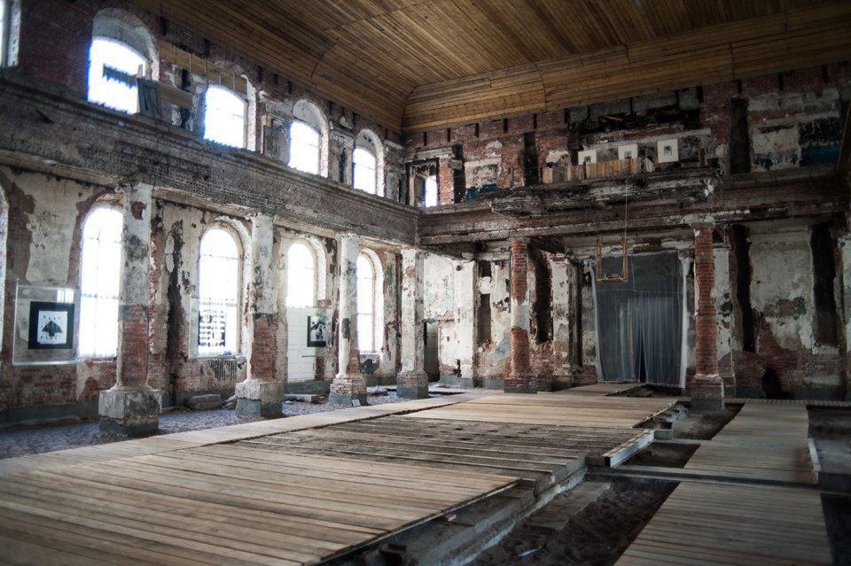Как лютеранская церковь стала площадкой для современных художников. Изображение № 6.