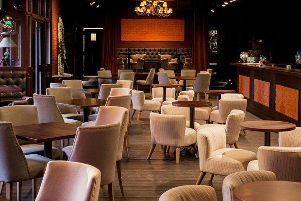 На месте бара «Заря» открылся Joys Bar. Изображение № 3.