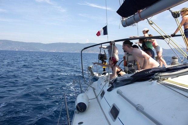 Как зарабатывать, путешествуя напарусной яхте. Изображение № 7.