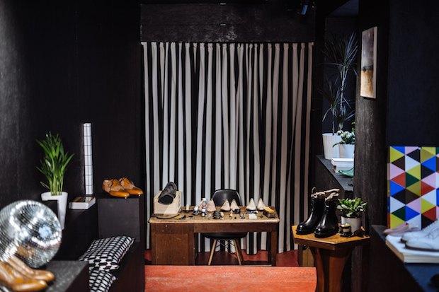 На «Тверской» открылась обувная мастерская имагазин Gottlieb Schwarz. Изображение № 3.