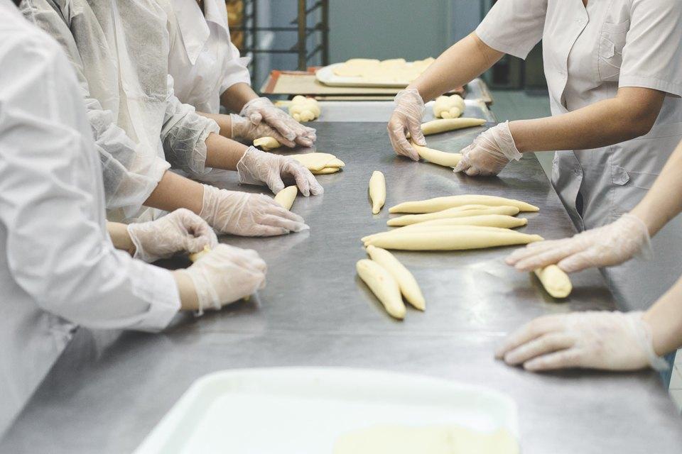 Производственный процесс: Как готовят кошерный хлеб. Изображение № 30.