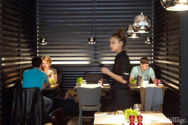 Эксперимент: Сколько проходят официанты за смену. Изображение № 7.