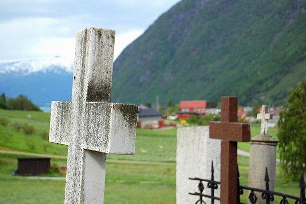 Как у них: Жители Германии, Бразилии, Финляндии, Грузии и Израиля о похоронах. Изображение № 2.