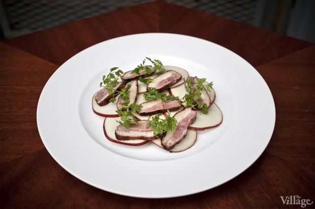 Рецепты шефов: Тёплый салат суткой, капустой, инжиром и яблоками. Изображение № 3.