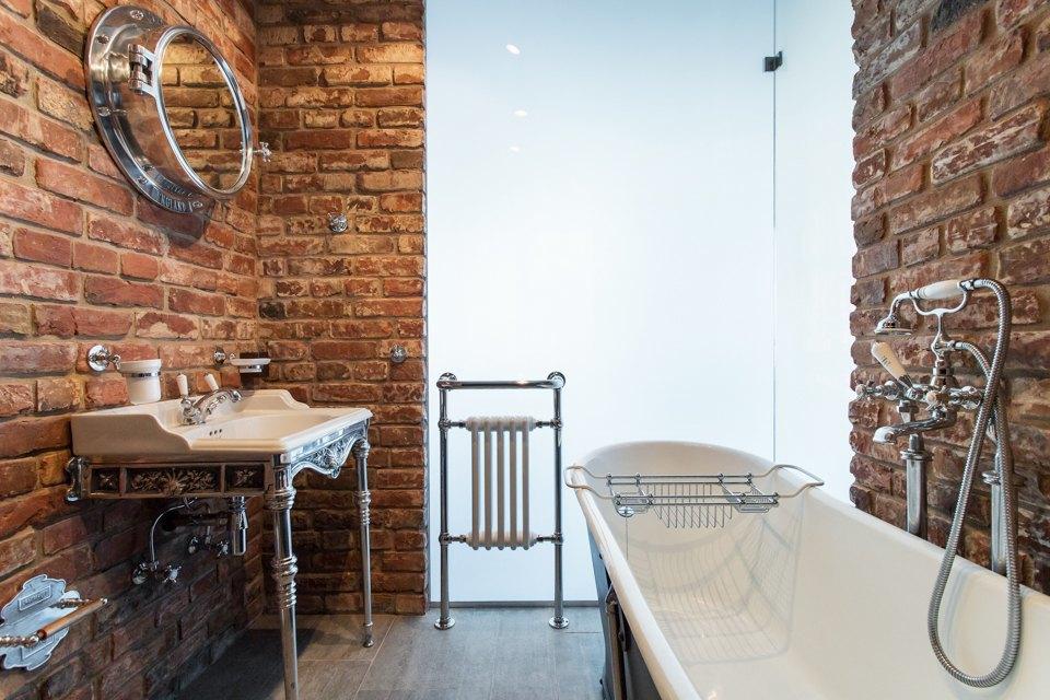 Лофт со стеклянной ванной комнатой на«Парке культуры» . Изображение № 23.