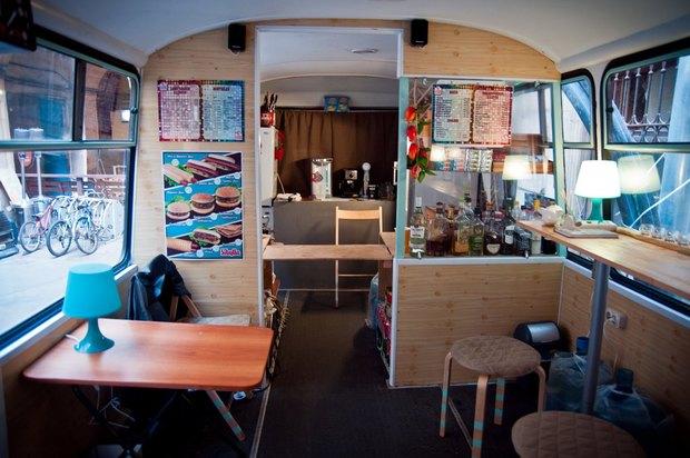 Водворе кластера «Архитектор» открылся кафе-бар вавтобусе . Изображение № 2.