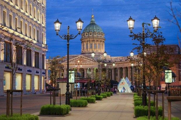 На Малой Конюшенной установили энергосберегающие фонари. Изображение № 1.