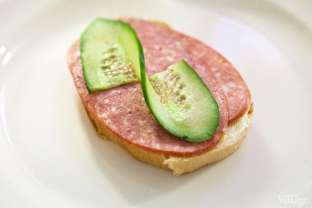 Бутерброд с колбасой — 35 рублей. Изображение № 11.