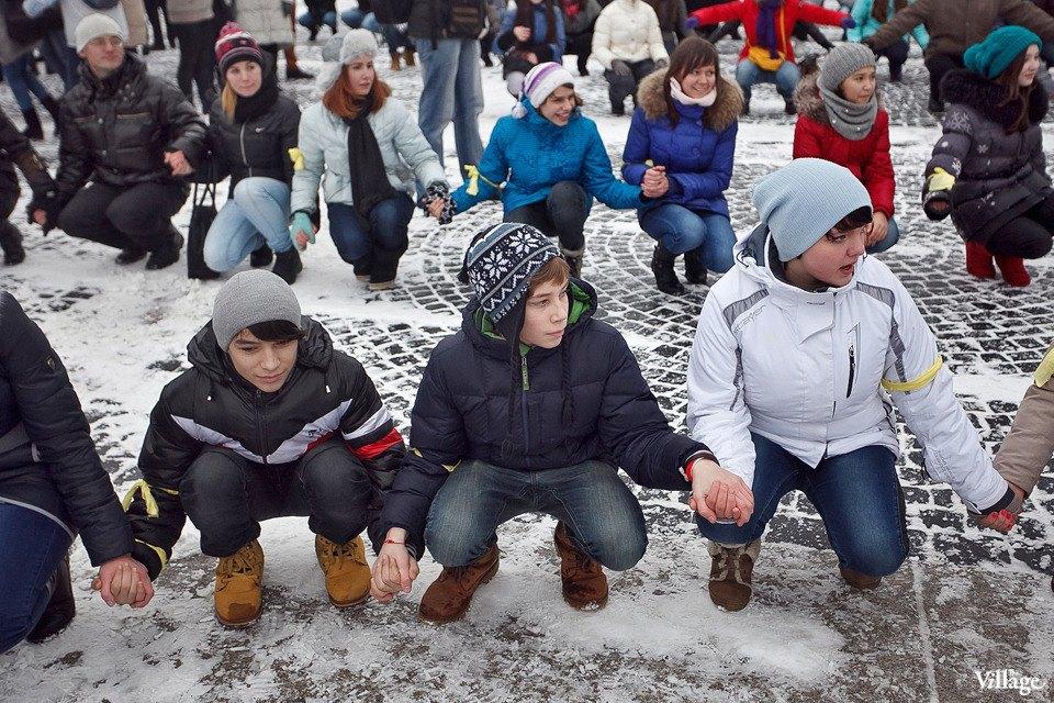 Фоторепортаж: Gangnam Style и зарядка на Дворцовой площади. Изображение № 24.