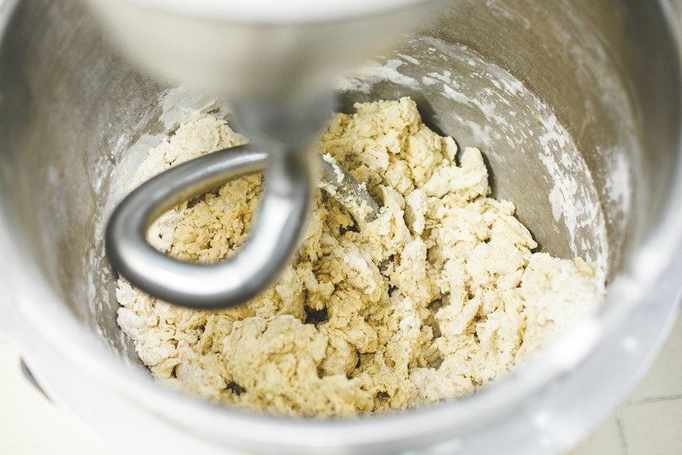 Производственный процесс: Как готовят кошерный хлеб. Изображение № 12.