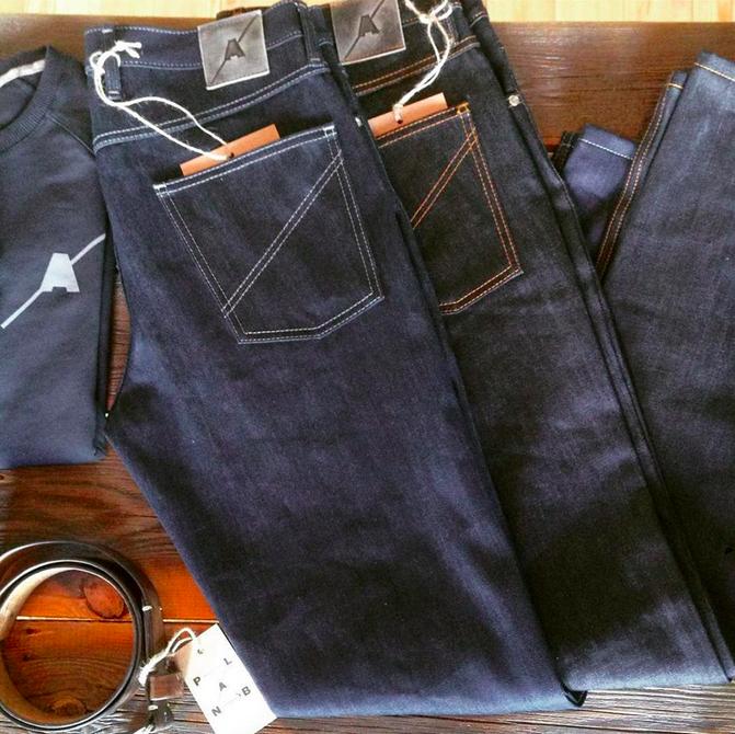 В Москве открылся магазин с«крафтовыми» джинсами из Перово. Изображение № 4.