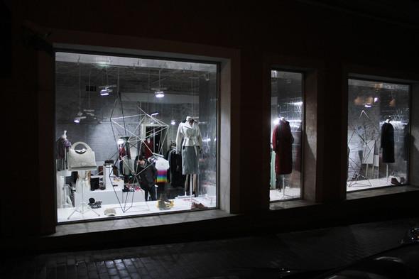 Мы вам покажем: 7 оформителей витрин московских магазинов. Изображение № 15.