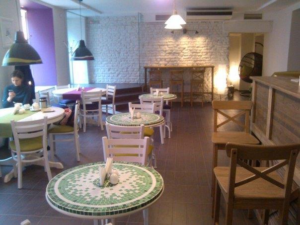 НаЗагородном открылось вегетарианское кафе «Счастливые люди» . Изображение № 1.
