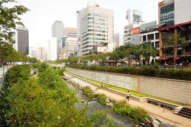 Иностранный опыт: Раскопанная река в Сеуле. Изображение № 7.