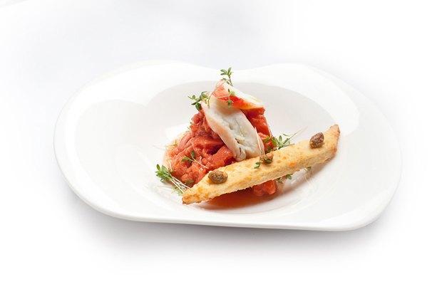 Гаспачо с крабами и печеньем из пармезана в ресторане «Турандот». Изображение № 26.