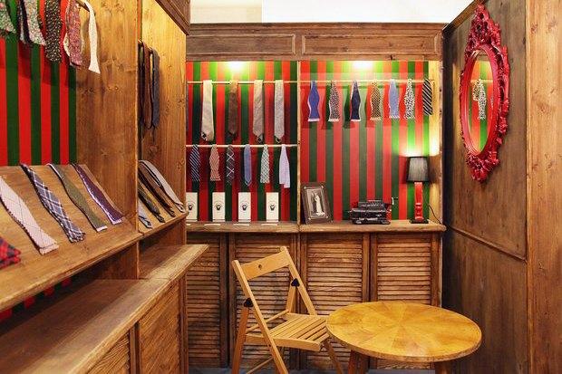 На «Флаконе» заработал магазин аксессуаров Chehov. Изображение № 1.