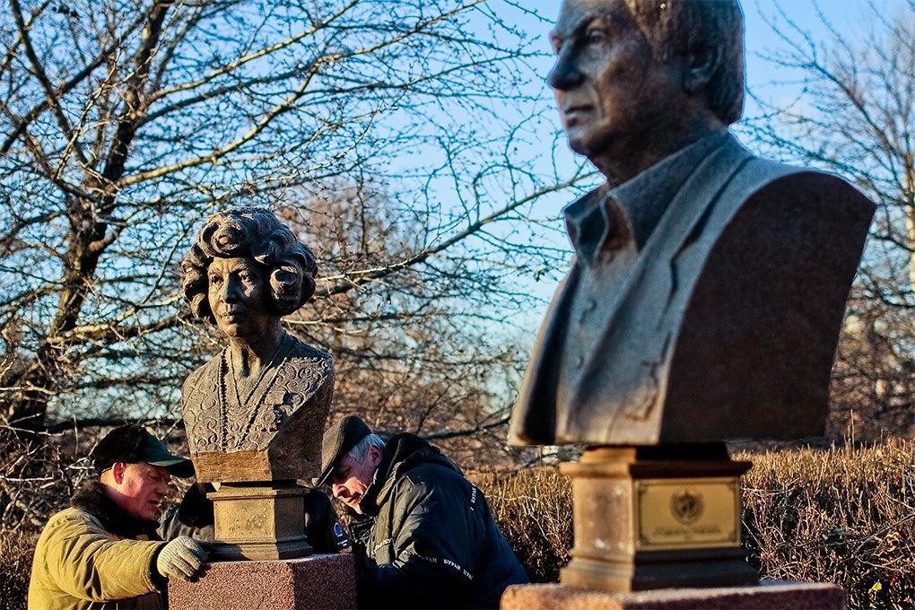 Демонтаж памятников на  «Аллее славы» в «Музеоне» / Антон Голощапов. Изображение № 28.