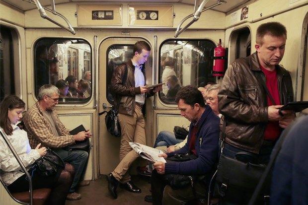 «Синдром постоянного нахождения онлайн»: Как смартфон ипланшет поменяли жизнь горожан. Изображение № 4.