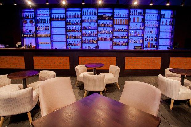 На месте бара «Заря» открылся Joys Bar. Изображение № 8.