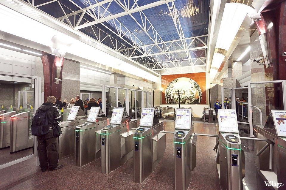 Фоторепортаж: Станции метро «Международная» и«Бухарестская» изнутри. Изображение № 1.