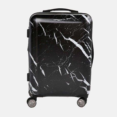 4e312685c8dc Еще один существенный минус — нестандартный размер: для ручной клади чемодан  слишком большой и подойдет не для всех авиакомпаний, а для полноценного  багажа ...