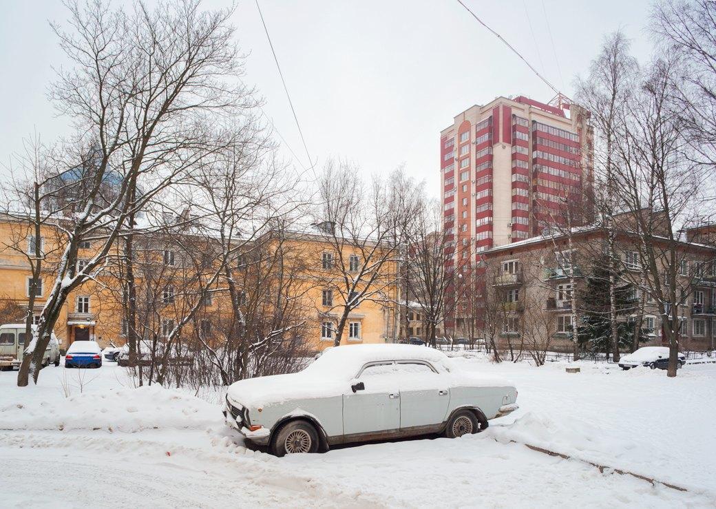 Многие жильцы 16-этажки, находящейся рядом с «Городком», поддержали борьбу с «муравейником». Изображение № 14.