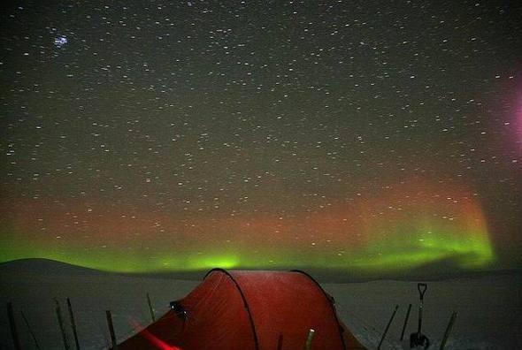 Изображение 4. Солнечный ветер. Несколько мест для любителей наблюдать полярное сияние из своего окошка.. Изображение № 1.