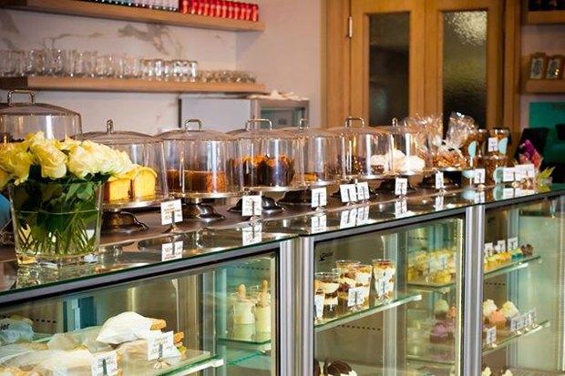 Upside Down Cake в «Метрополисе», совместное пространство «Чёрного» иFOTT, кофейня GagaGagapella. Изображение № 1.