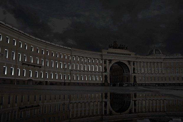 На ночь глядя: 12 проектов подсветки Главного штаба. Изображение № 85.