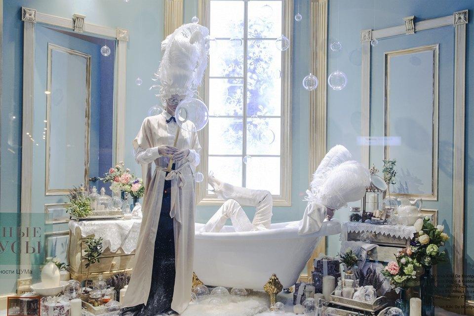 Фоторепортаж: Новогодние витрины ЦУМа. Изображение № 4.