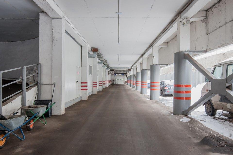 Архитектор Михаил Князев — осамых необычных автомобильных гаражах Москвы. Изображение № 17.