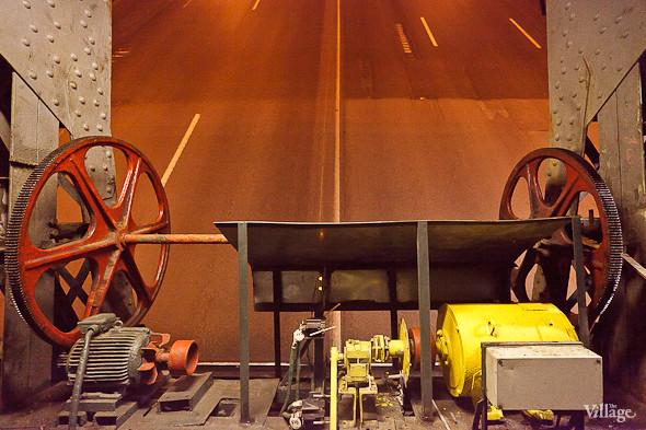 Фоторепортаж: Как разводят Дворцовый мост. Изображение № 31.