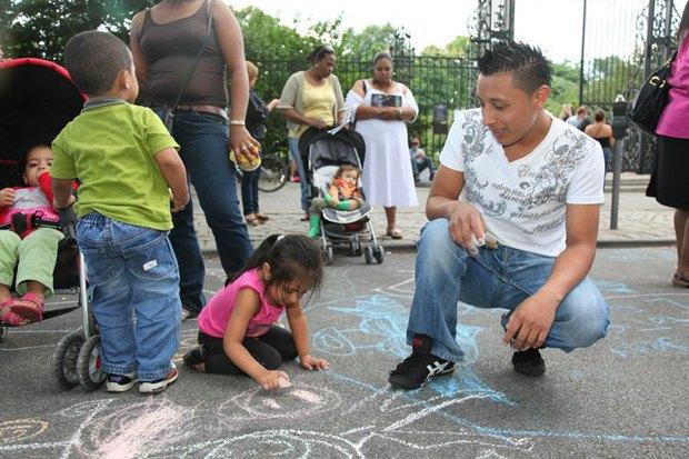 Как международные организации меняют жизнь иммигрантов. Изображение № 10.