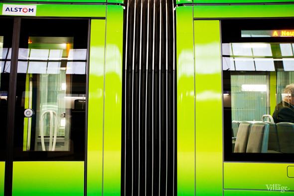 В Петербурге представили новые вагоны метро и низкопольный трамвай. Изображение № 22.