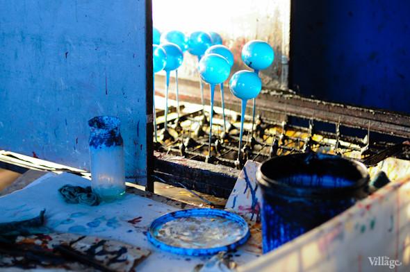 Сплошное надувательство: Фабрика елочных игрушек изнутри. Изображение № 20.
