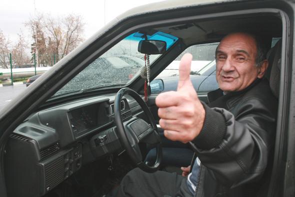 Благодаря человеку, пожелавшему остаться неизвестным, Мусса все-таки оплатил свое машино-место и от эксплуатации нового городского сервиса получил удовольствие.. Изображение № 16.