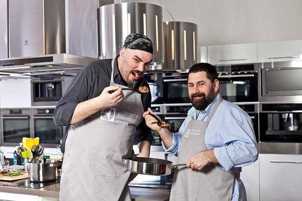 Шеф дома: Грузин и итальянец готовят по рецептам бабушек. Изображение № 2.
